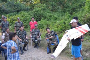 Demonstrating the Vanguard to the Nepali Directorate of National Parks